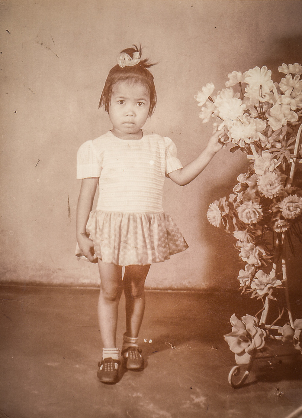 My fourth sister, Ate Felyn. She was probably 4yrs old when this photo was taken.