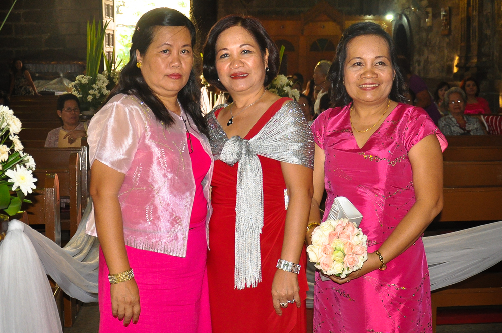 My three sisters Ate Grace (Left), Ate Del (Centre) and Ate May (Right).  Photo was taken by me in 2013.