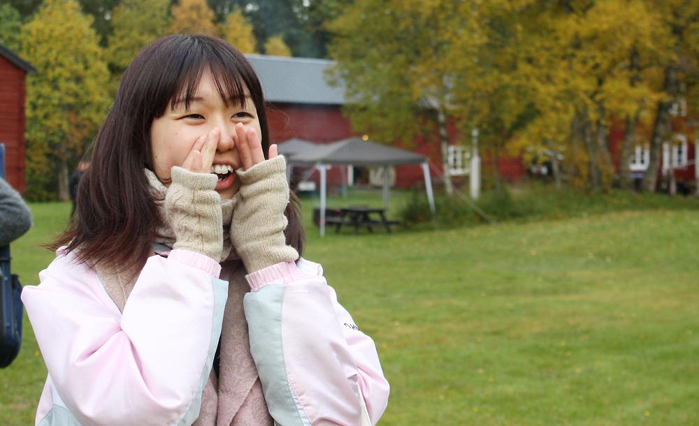 En av deltagarna på kulningskursen testar sina kunskaper. Foto: Kerstin Sonnbäck