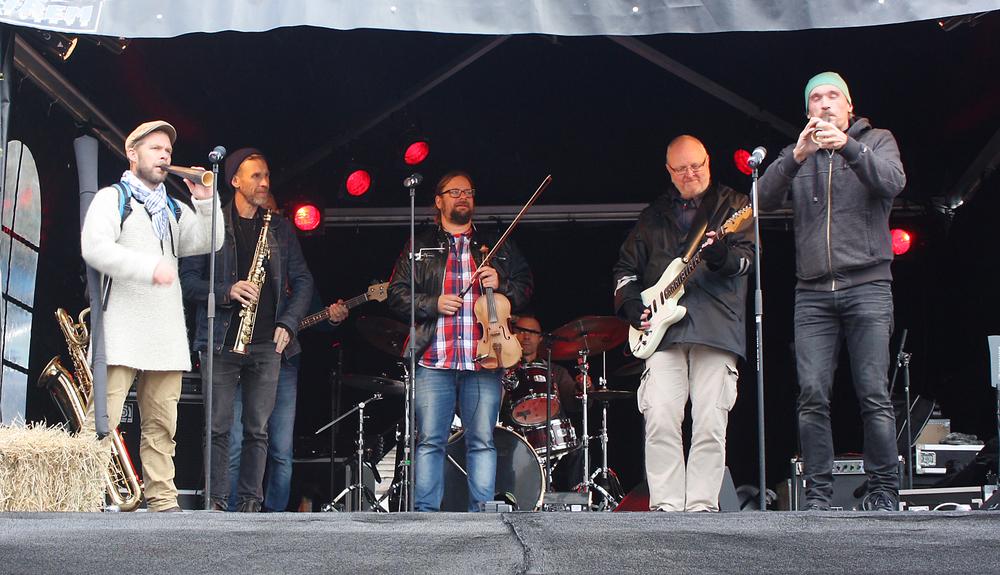 Granhornen ljuder över Åre torg. Foto: Kerstin Sonnbäck