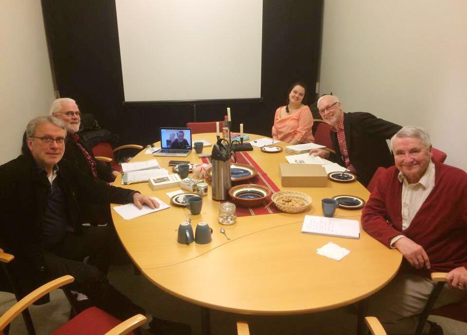 Delar av den nya redaktionen möts för att planera innehåll till nästa nummer. Foto: Jon Holmén