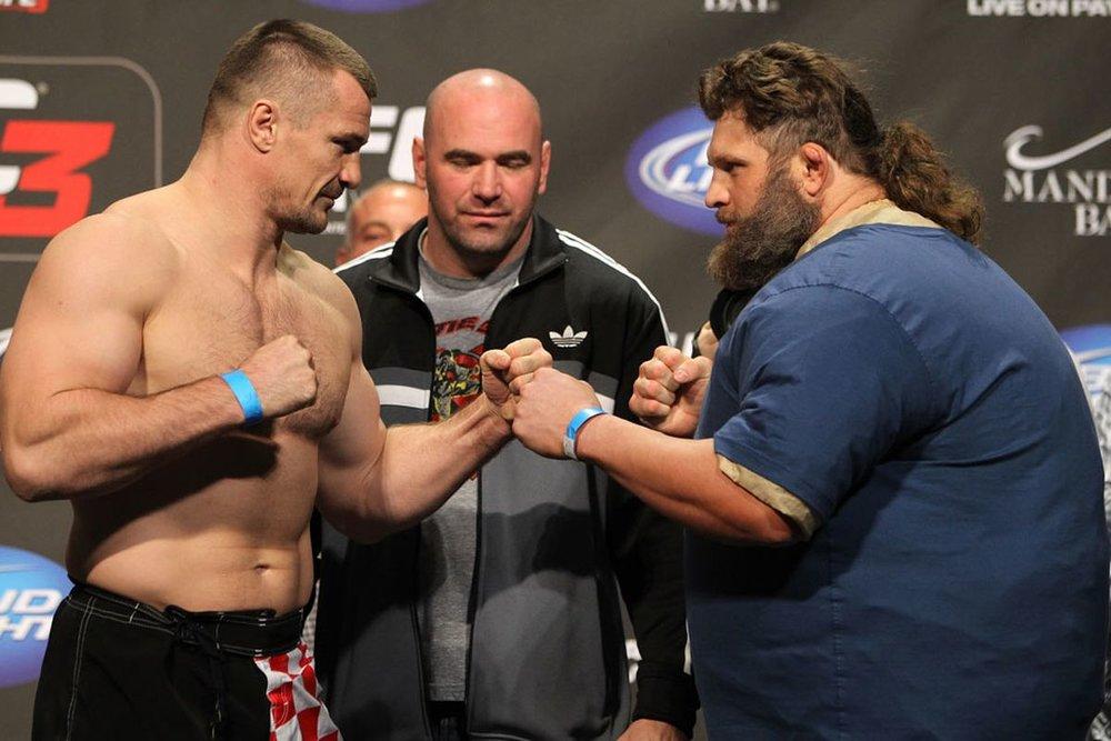 33_UFC137_Weighins.jpg