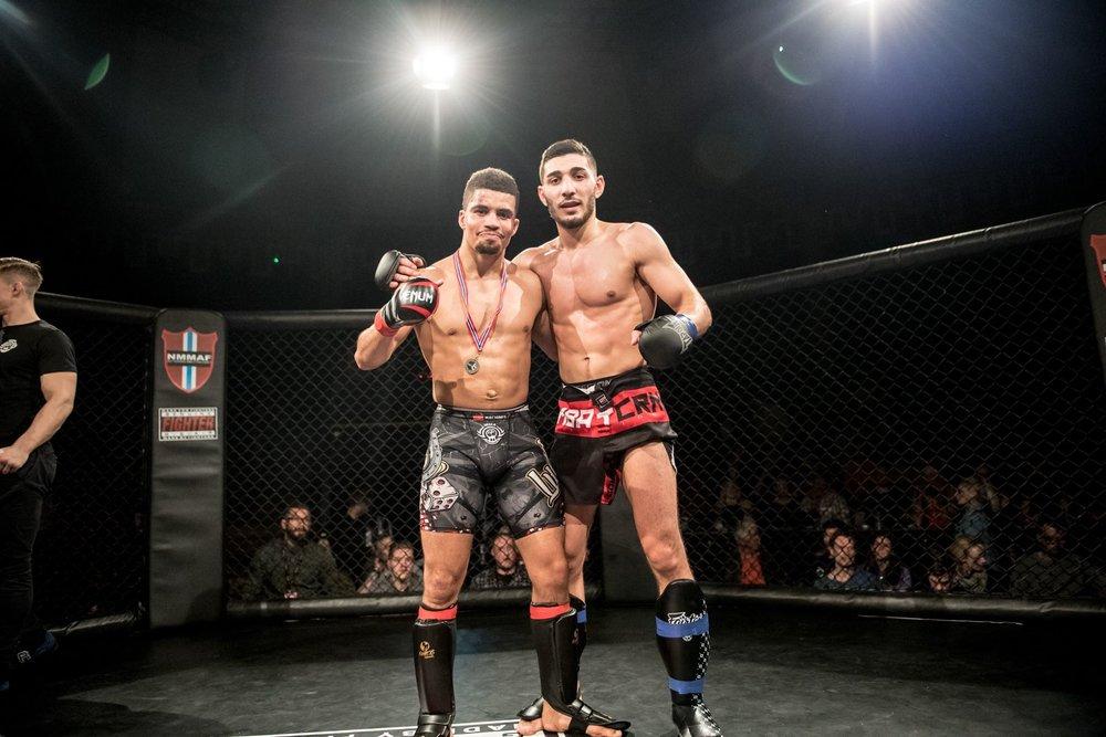 To krigere som kan være fornøyd etter en meget spennende og jevn kamp (Foto: Sharon Burgos Aresvik)