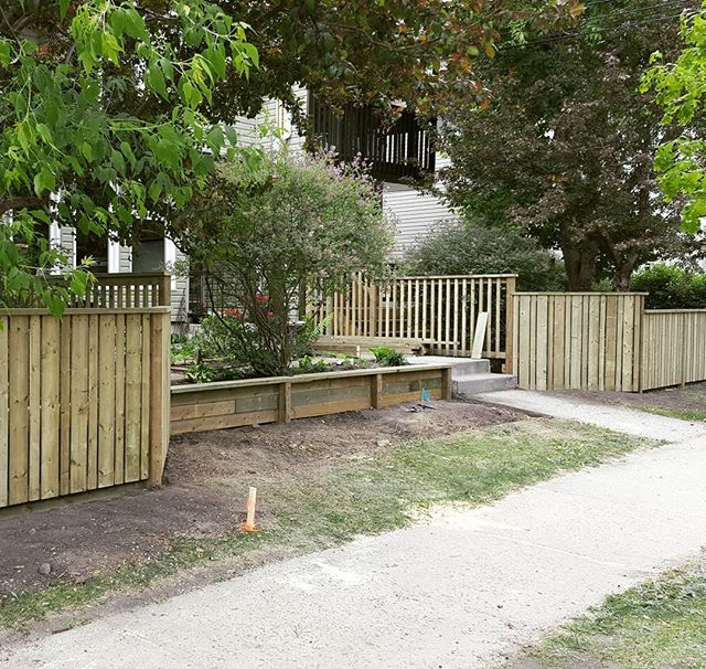 Small fence and retaining wall from awhile ago. #fence #yegbuilder #carpentry #yeg