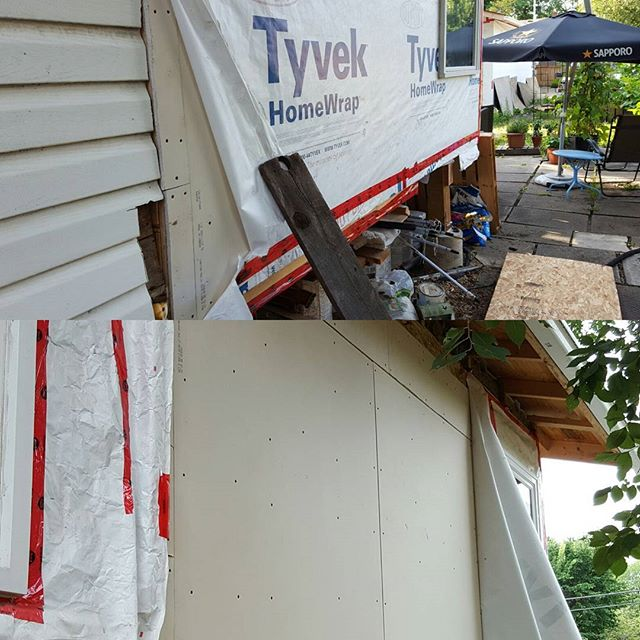 "Gotta love fun little surprises like this one... said no competent contractor ever. The last guy decided standard drywall on the exterior of the addition would be a good idea. Wow. Shockingly, not the only wildly bad decision by the previous ""contractor"". #deepsigh #yegcarpentry #yeg #renos #sodumb #wasntme"