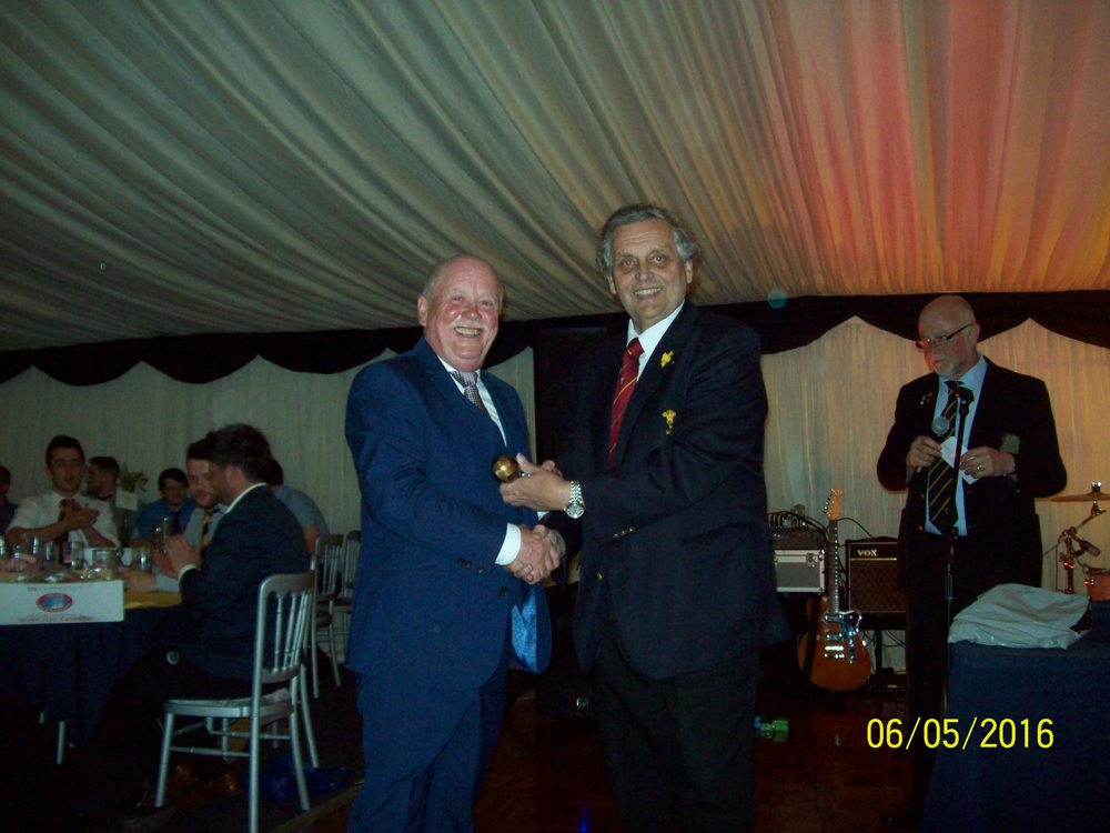 Dave Bowen, winner of clubman of the year award with Ray Wilton (WRU)