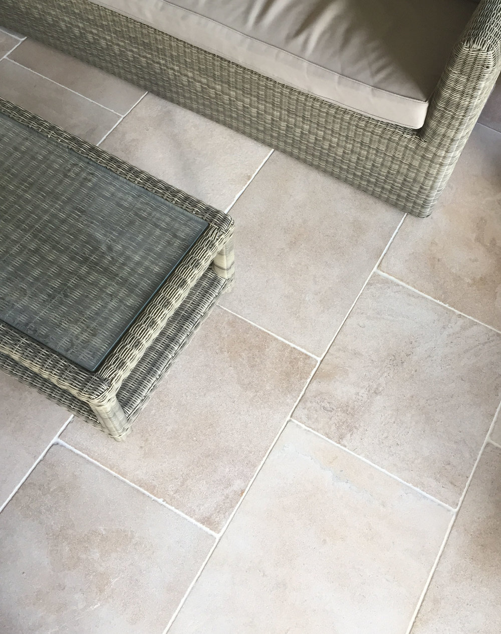 Style blog blog rock and wood cotswold cream limestone the cotswold cream limestone is a one of our favourite stones its a very popular natural stone for the cotswolds with its sandy solutioingenieria Images