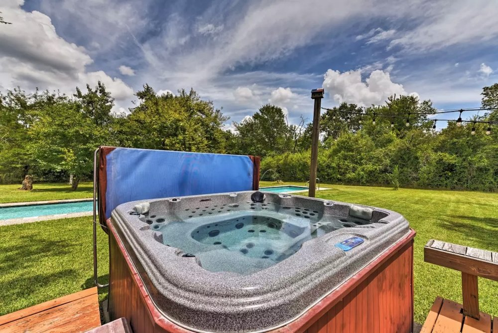 Crystal clear therapeutic 8 person spa hot tub