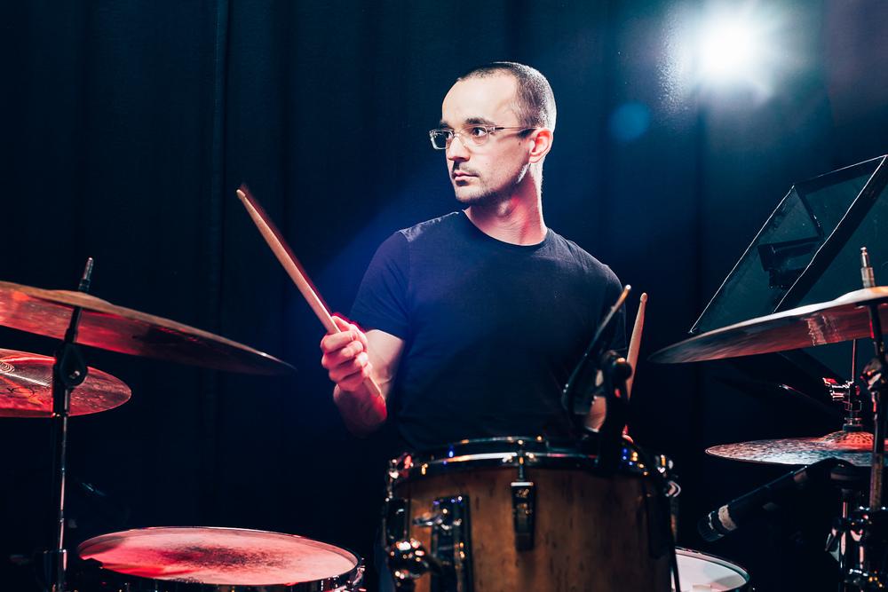 Schlagzeuger Jakob Traxl im Stadtgarten