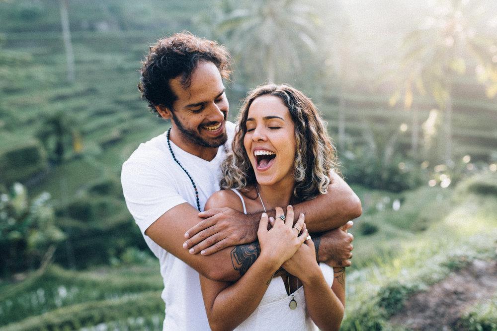 glückliches Paar beim Shooting Werbebild für Fotokurs in Köln