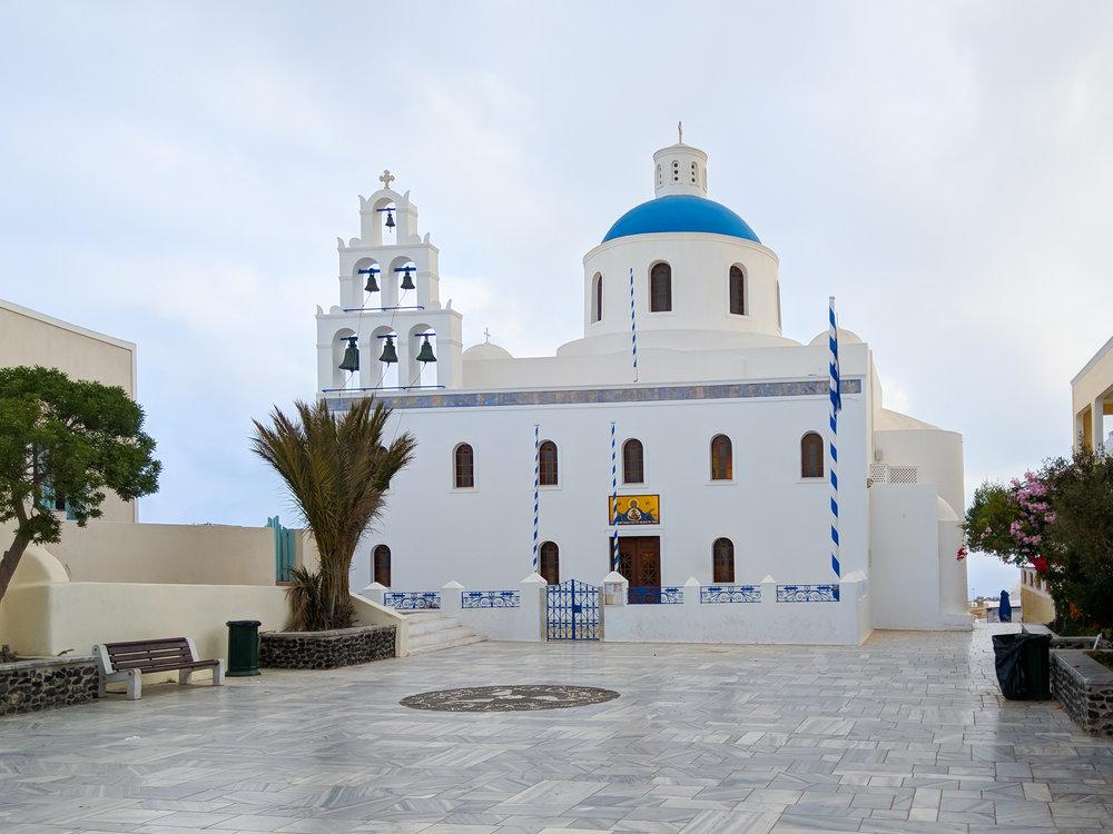Santorini am Morgen um 8 Uhr ohne Touristen