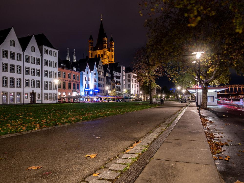 Rheinufer mit Groß St. Martin in der Nacht 2018