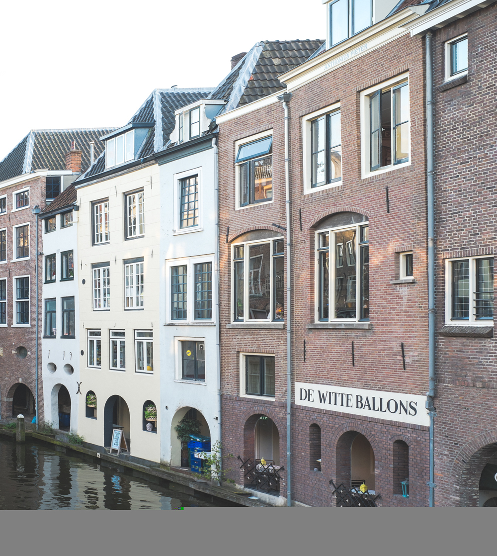 Canal houses with direct access to the water.