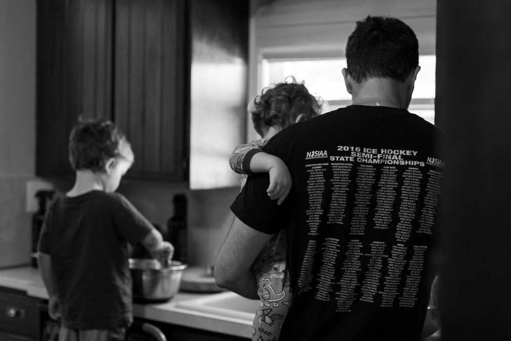 photo of boys making pancakes with dad, documentary session, oakland, nj