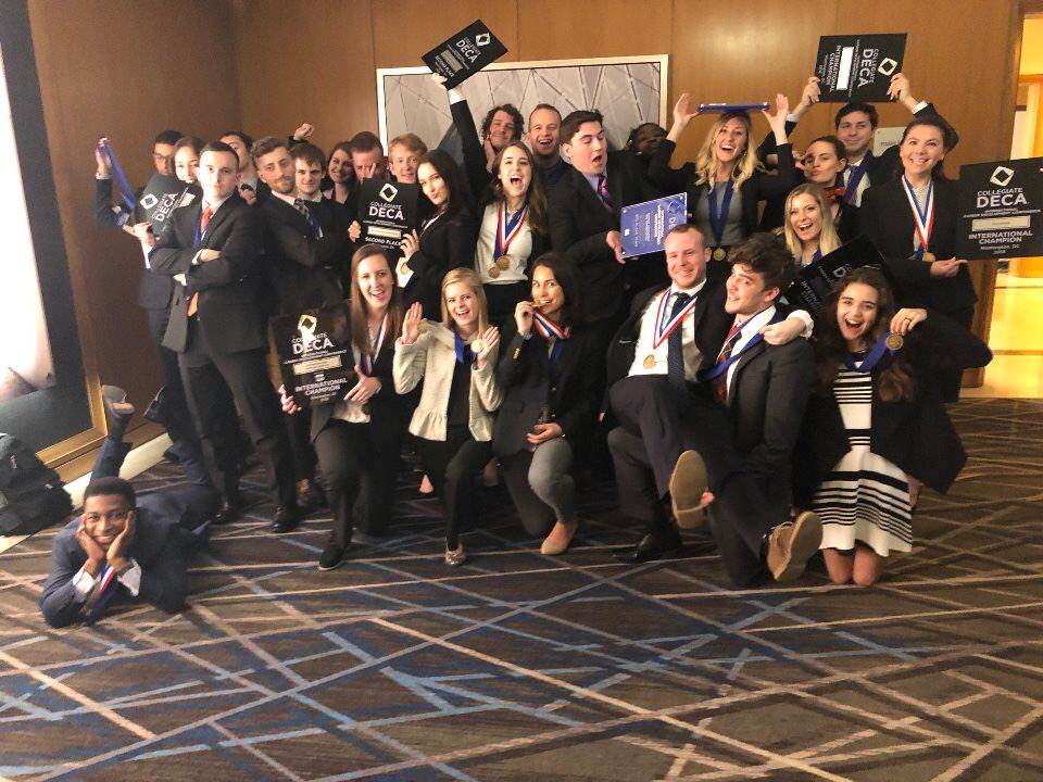 All of Belmont DECA who competed