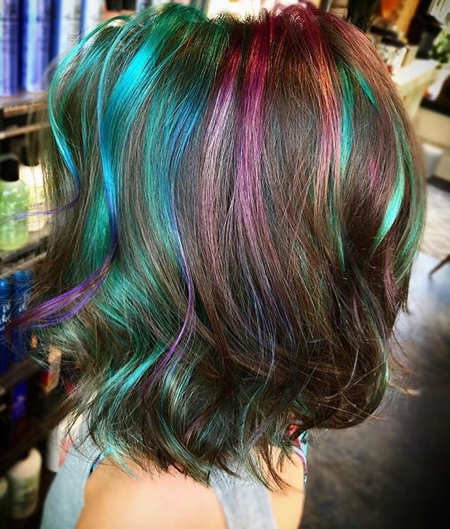 A little Sunday morning vivids 🧜🏻‍♀️. Book to get mermaid hair with @cattcollinscosmetology at our west Ashley location. . . #charlestonsc#charlestonhair#charlestonvivids#pulpriot#pilpriothair#mermaidhair#charlestonstylist#charlestonsrtist#pulpriotvivids#vivids