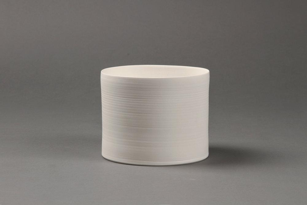 Cylindrical vase   Clay 10 x 13 x 13 cm 2010