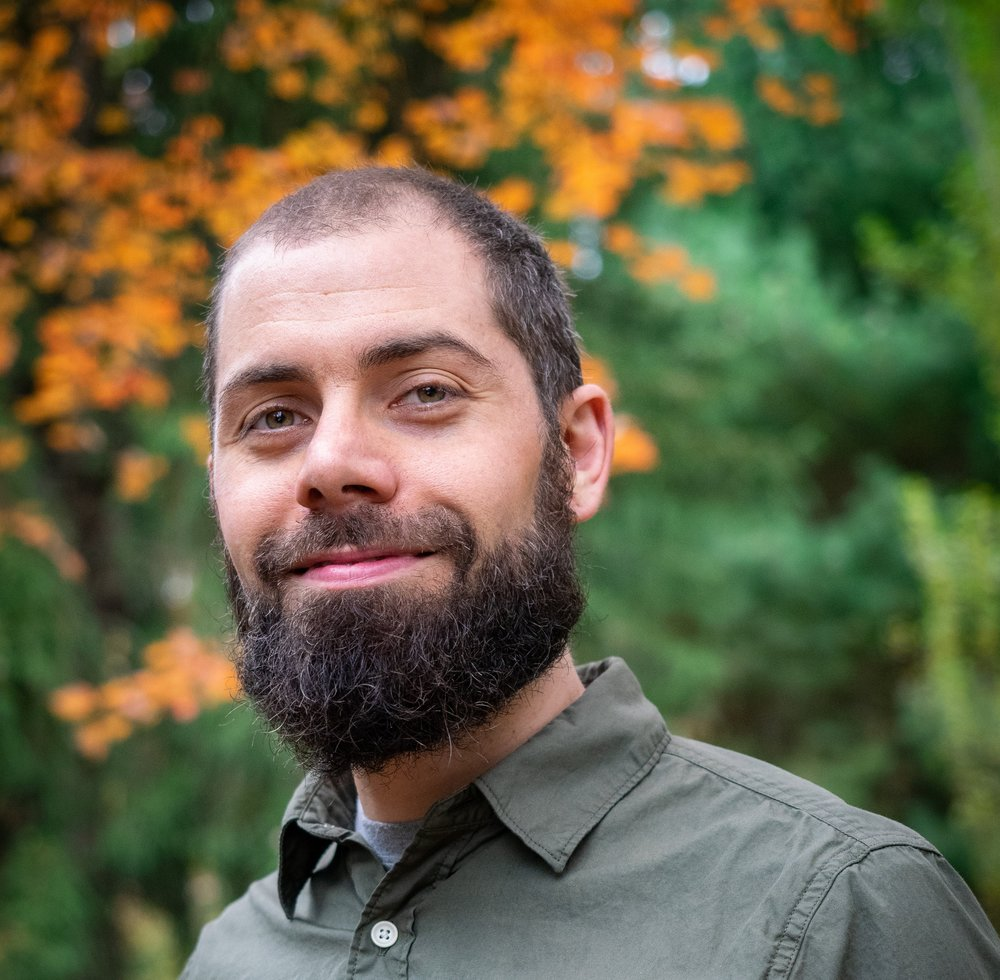Erik Harris - Erik Harris, founder of Chi for Healing, is a holistic healing practitioner who holds professional certifications as a Qi Gong Instructor, Chinese Herbalist, Asian Body Therapist, Medicinal Aromatherapist, Auriculo-therapist, Reiki therapist, and Tong Ren Therapist.