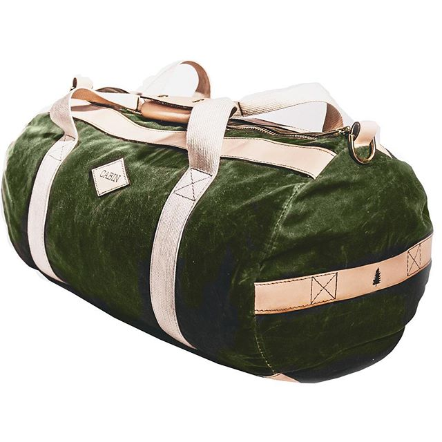 The #cabinco duffle: a cylindrical canvas and leather bag that carries anything, anywhere 🌲👊🏼