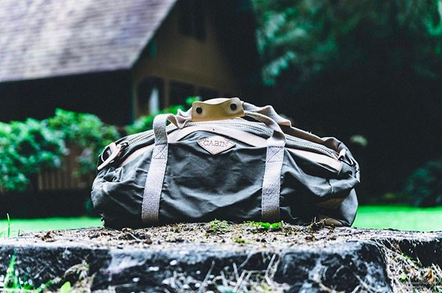 Shoutout to @daltonjdavis_ for sending us this awesome pic of the timberland green #cabinco bag 🌲