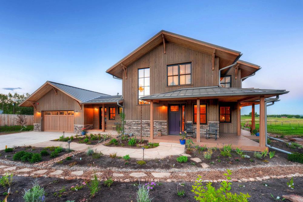 Farmhouse front -WEB.jpg