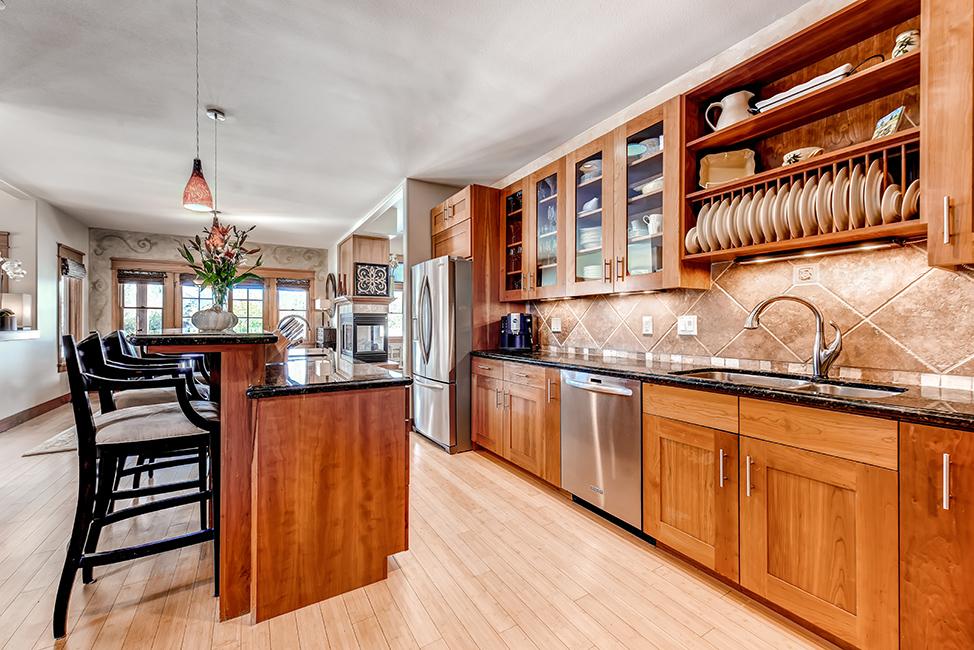 Skyway Kitchen 02.jpg
