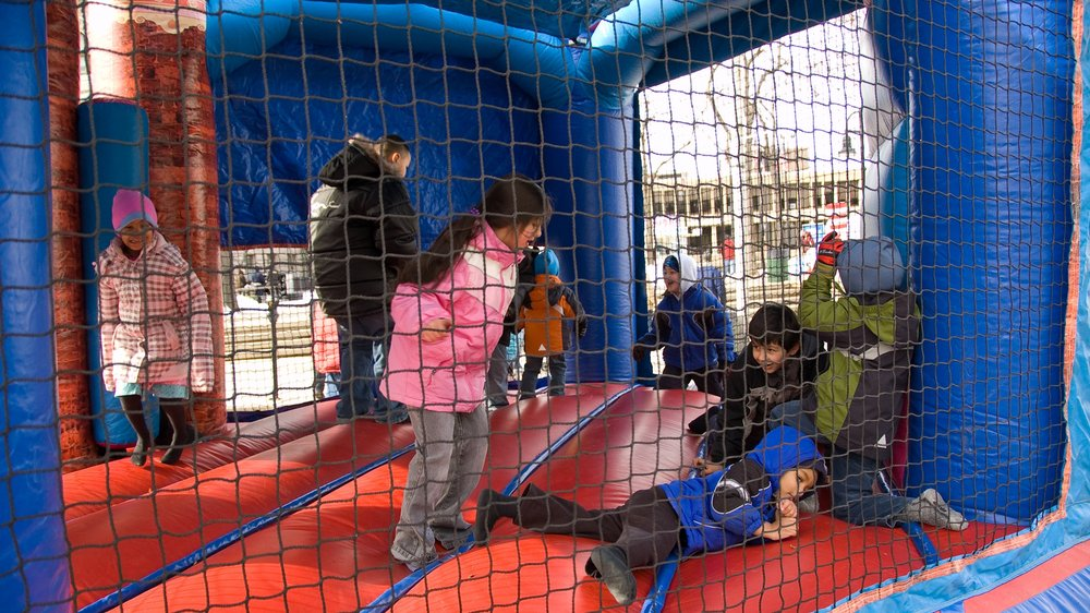06-feb-10-lowell-winterfest-603.jpg