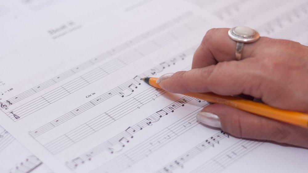 hand-music-musician-compose.jpg