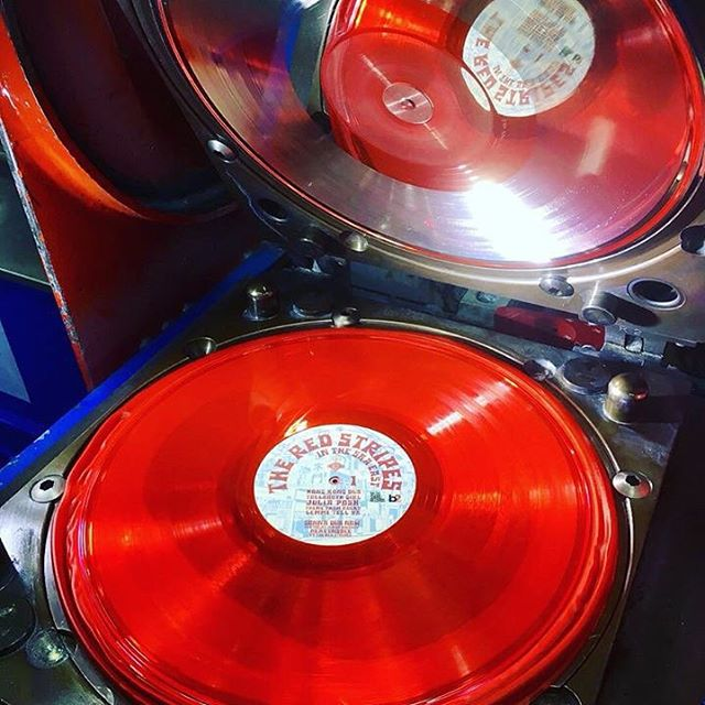"Red vinyl Fresh off the press! It includes our dub reggae remix of @the_red_stripes ""Gonna Fly Now (Theme from Rocky)""! We can't wait to give it a spin! @marcoonthebass @rudeboyroger1 @lilgershwin @jennywhiskey #remix #reggae #collaboration #vinyl #redvinyl #vinylrecords"