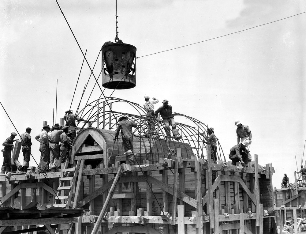 Wheeler Dam Construction with Bucket, Lauderdale County, AL 1935, courtesy of the Tennessee Valley Authority Historic Collection.