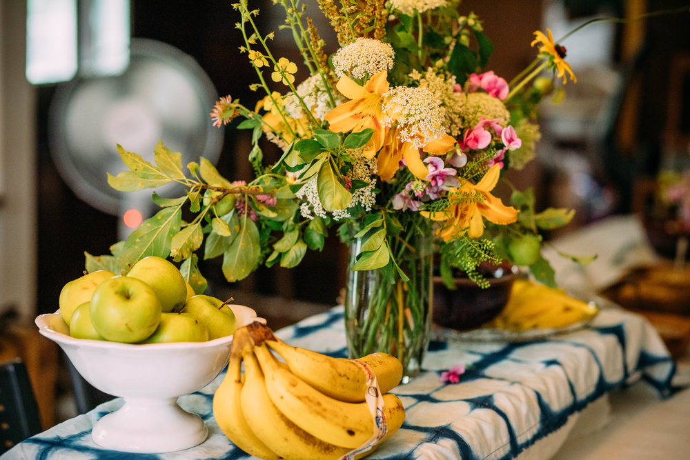 Foraged Floral Arrangement by Susan Rowe. Photo by Grace Boto.