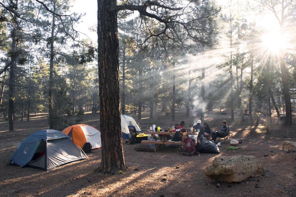 camping-StockSnap_L6XZ2GK341.jpg