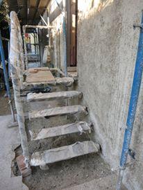 Applicazione della calce e canapa su muratura esistente