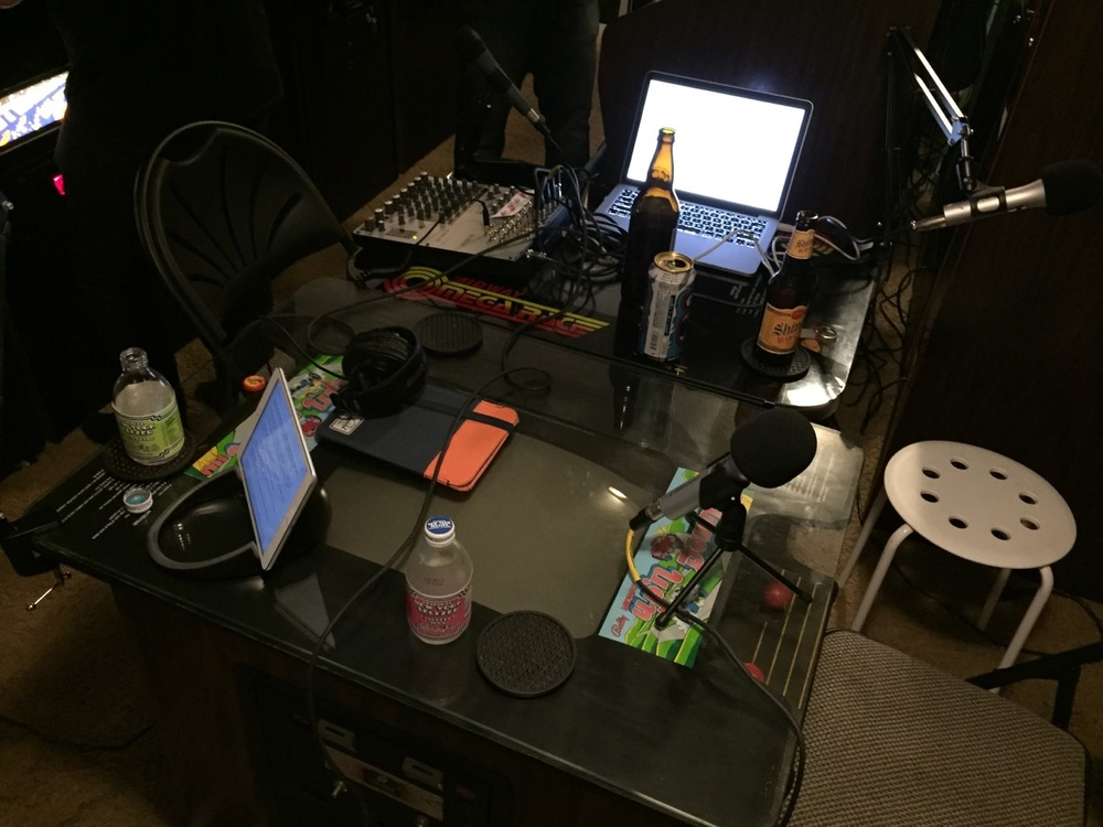 Haven't you heard? New York Seltzer is back. it's all about podcasting on stinky cocktail cabinets.