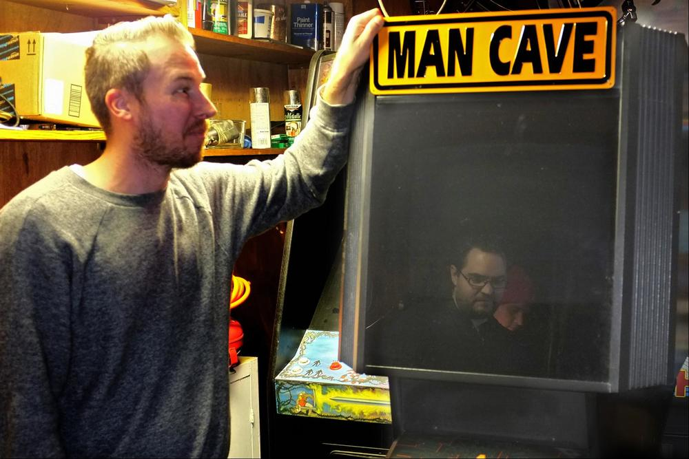 I show off the new Major Havoc repro marquee.