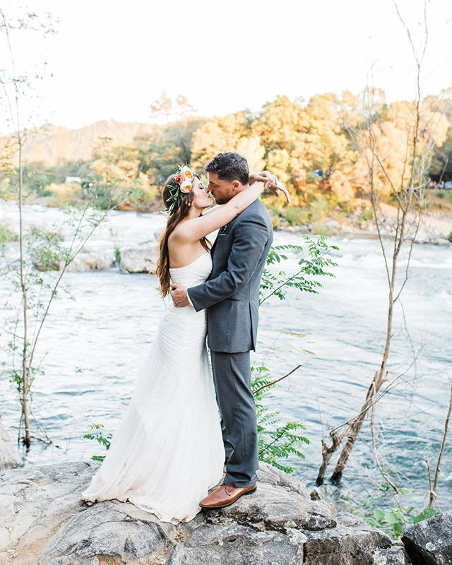 The American River! This was one of the most calming and energizing wedding locations I've been too. Last year after all the storms and rain, the river was so full and rushing even in the summer. The sound of the rapids and the power of the water added such a wonderful element to Michelle and Chris's Wedding. . . . . . . . . . . #charissaannephotography #norcalwedding #granitebayphotographer #granitebaywedding #colomawedding #foothillswedding #americanriver #adventurouswedding #outdoorwedding