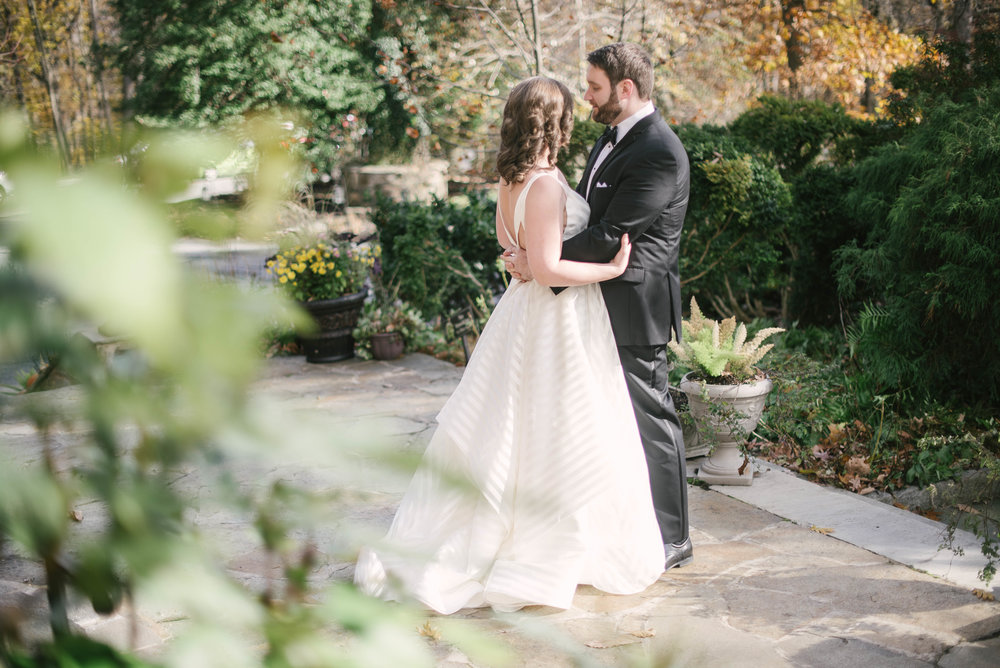 first look cloisters castle wedding