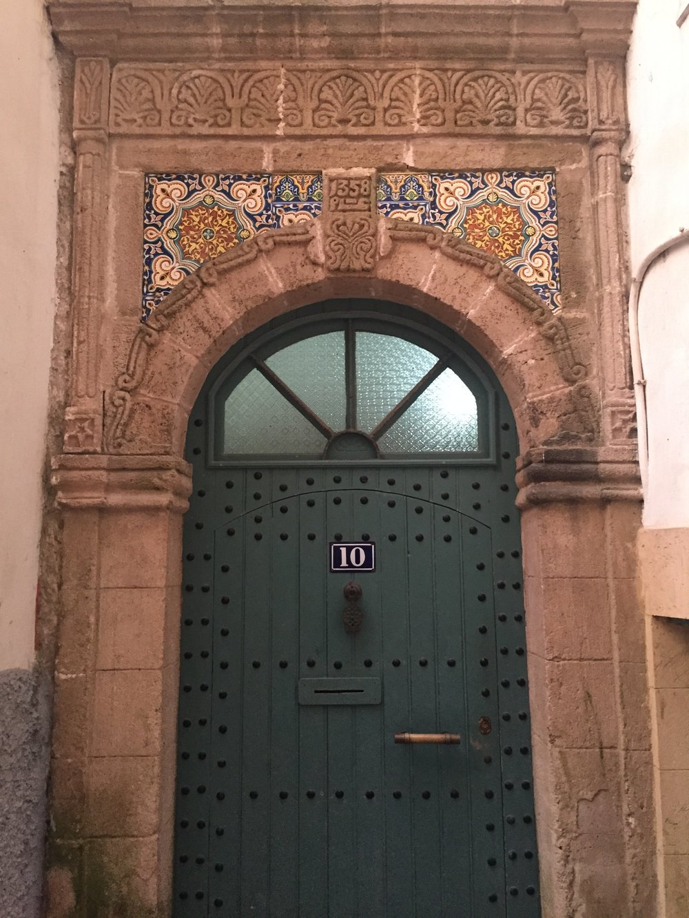 The entrance door to Maison des Palmiers