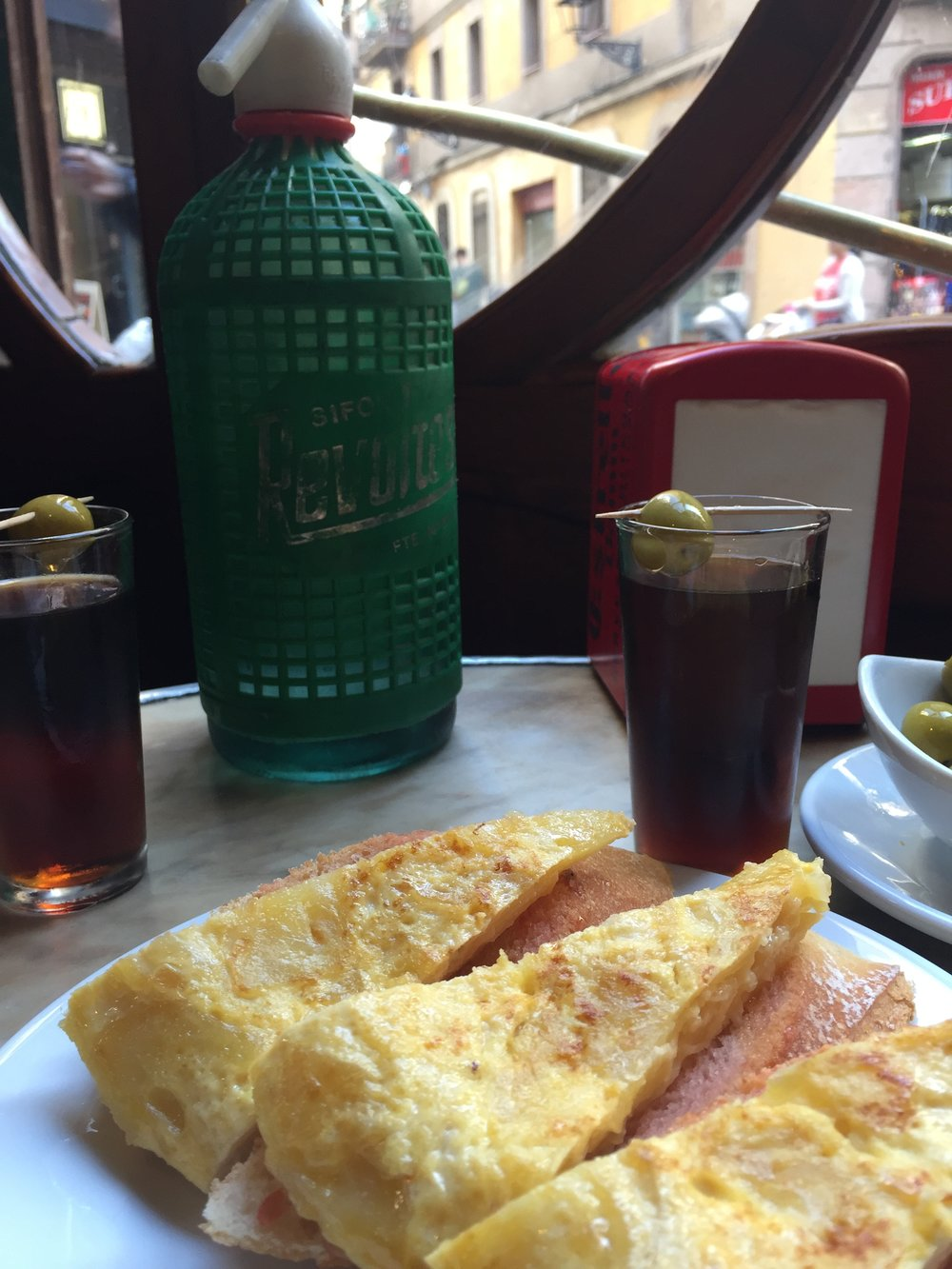 Some good ol' feelings at Casa Almirall - vermouth with siphon and amazing tortilla on toast