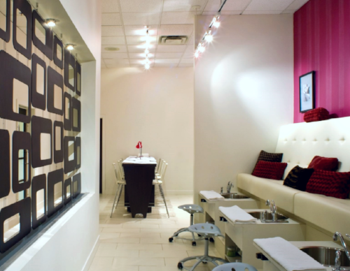 Manicure & Pedicure room - Excellent for a party!