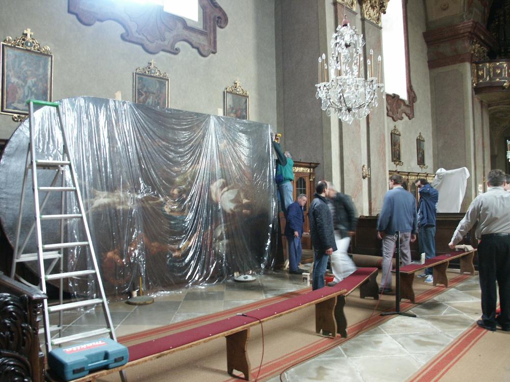 M.J.Schmidt Kreuzigung Christi Montage nach Restaurierung 1.JPG