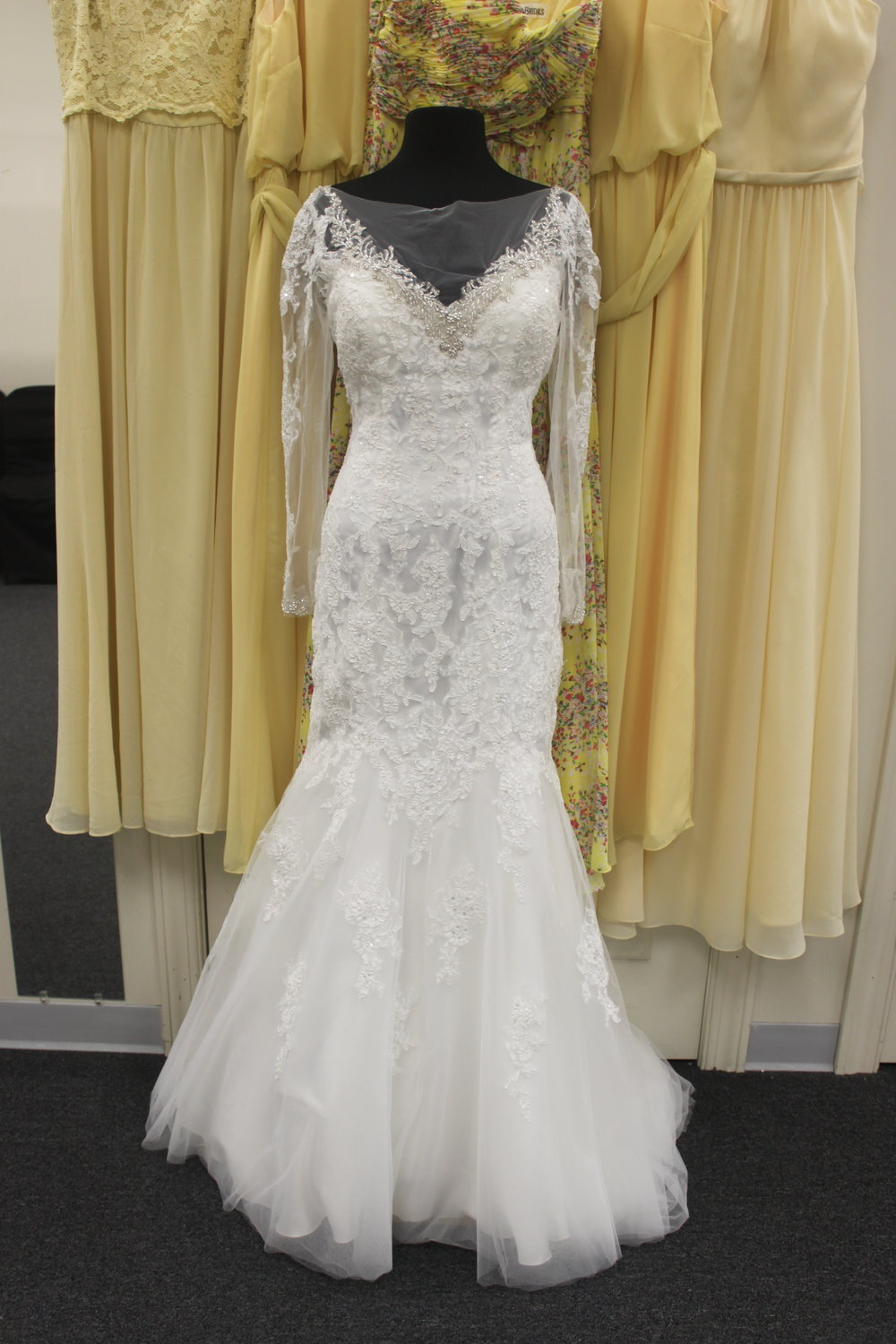 Private Collection - 20975-12Location: BloomingtonSize: 12This dress is brand NEW!Original Retail Price: $1200OUR Price: $782