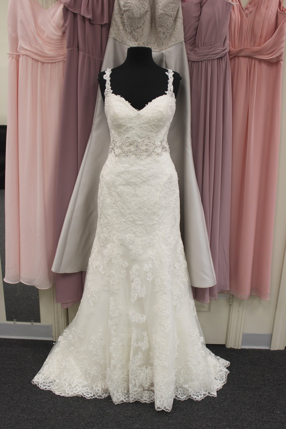 Stella York - 18594-663Location: BloomingtonSize: 12This dress is brand NEW!Original Retail Price: $1328OUR Price: $877