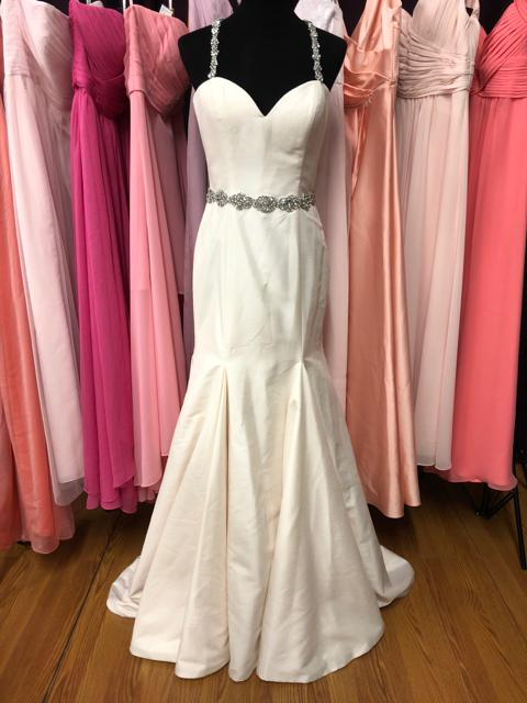 Alfred Angelo - Size: 8OUR Price: $577