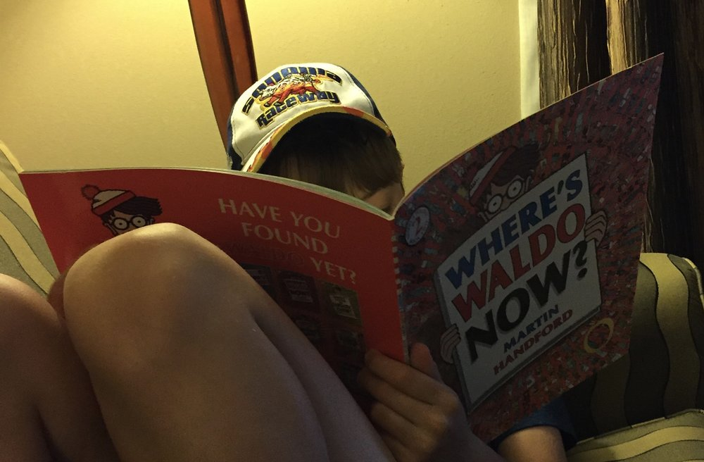 Saturday in the hotel: He searched for Waldo and played with this Hot Wheels cars.