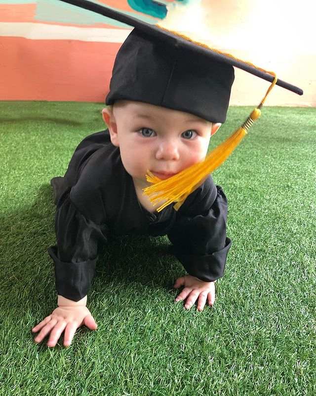 Asher graduated from Mommy and Me at @thefamilyroom today! He was all smiles, and I was all tears. Was not even expecting the waterworks. Thank goodness I wasn't the only one! 😅