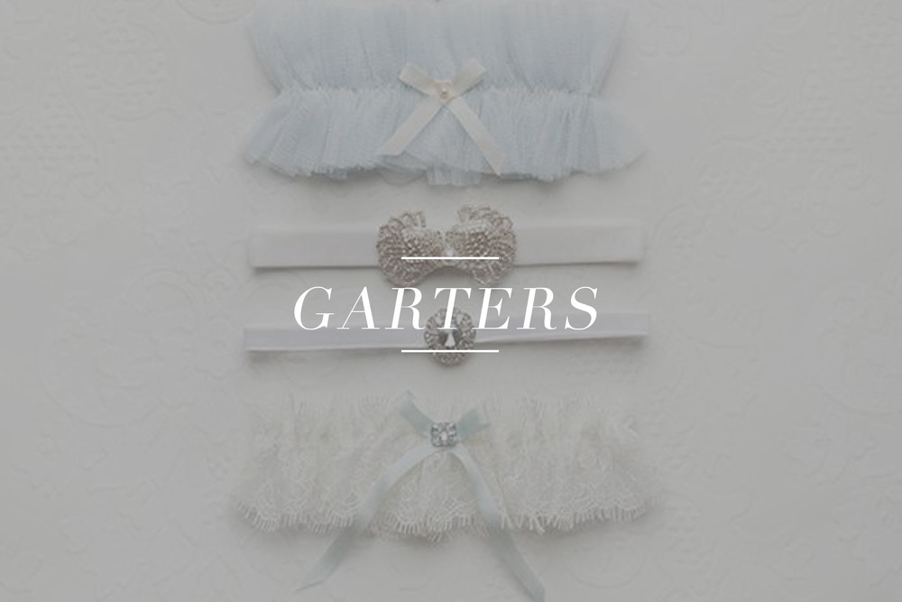 Bridal garters available for purchase on LOVE FIND CO.