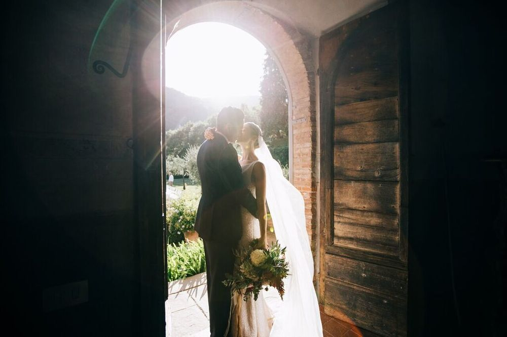 LOVE FIND CO. // Mia & Paolo // Gown by Suzanne Harward // Photography by Photo Santucci