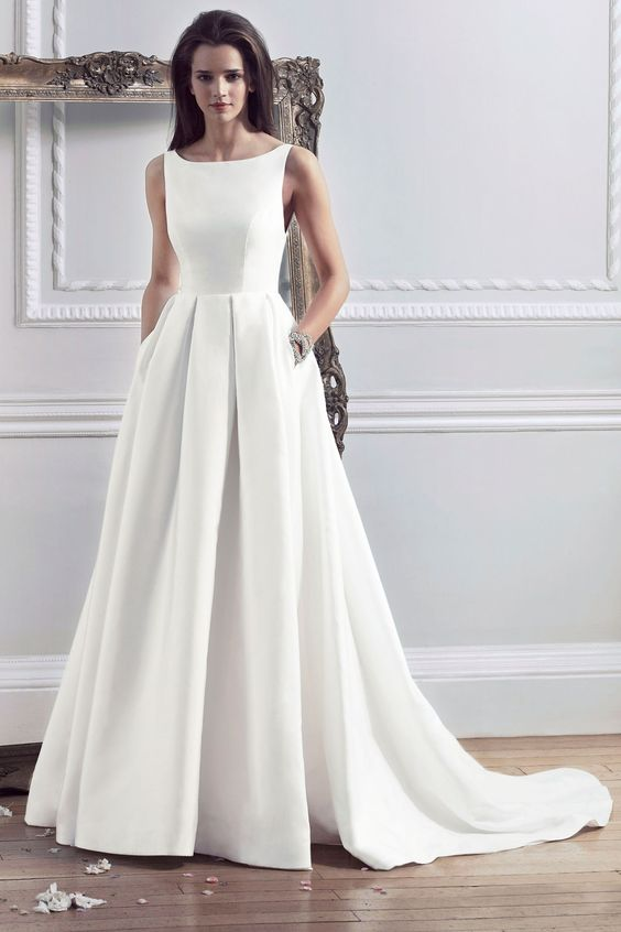 BRIDE // Dresses For Your Body Shape - Apple