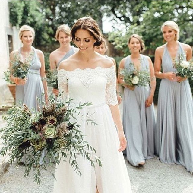 @twobirdsbridesmaids A beautiful Bride and her bridesmaids close behind! #twobirdsbridesmaid #twobirdsworld #howshetiedit #convertibledress.jpg